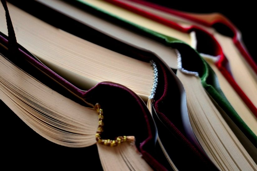 book-5077895_1920